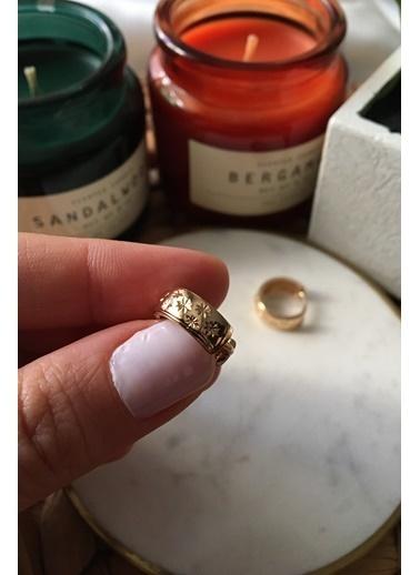My Joyas Design Yıldız İşleme Detaylı Küçük Boy Küpe Altın